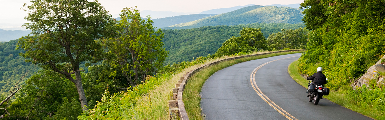 motorcycle_on_blue_ridge_parkway