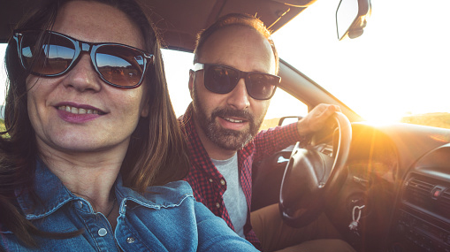 couple in car selfie